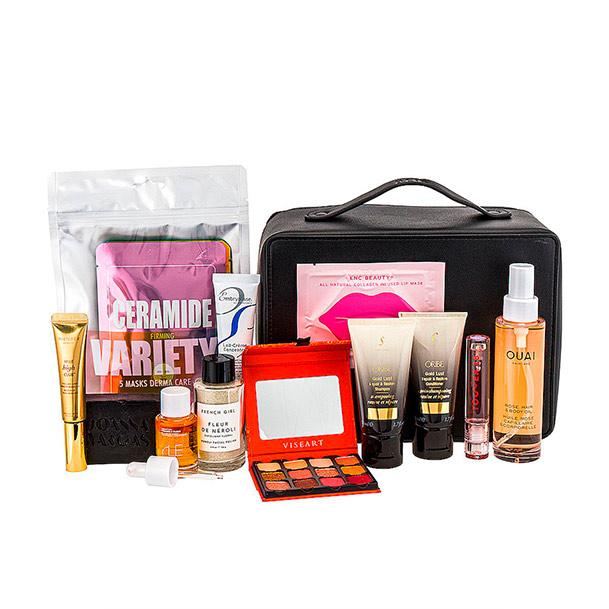 REVOLVE Beauty x Shay Mitchell Happy Holi-BEIS Beauty Bag in Beauty